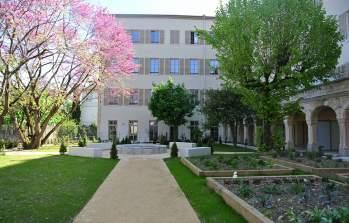 Les extérieurs de l'Abbaye de la Rochette